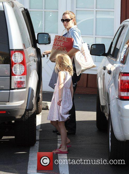 Jennifer Garner out shopping with daughter Violet Affleck...