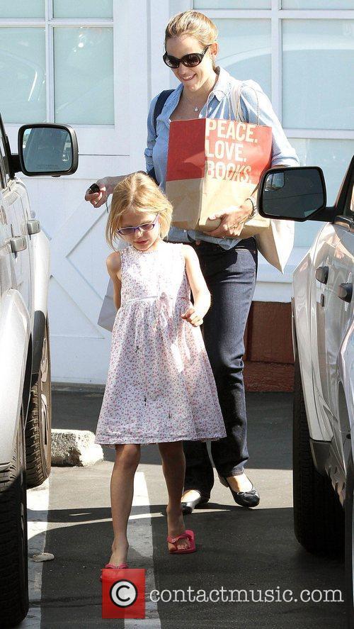 Jennifer Garner out shopping with daughter Violet Affleck...