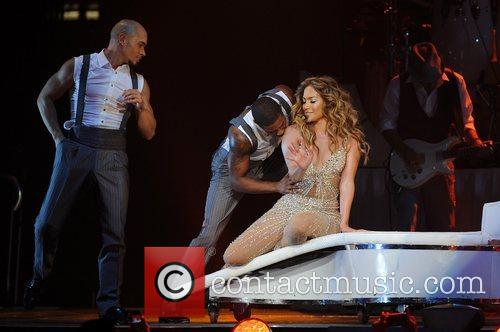 jennifer lopez performing in concert at the 4055840