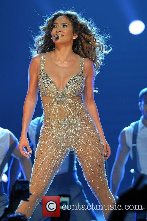 jennifer lopez performing in concert at the 4055861