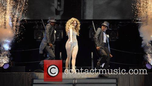jennifer lopez performing in concert at the 4055867