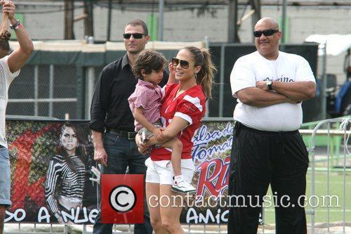 Jennifer Lopez and Max Muniz 4