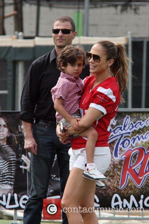 Jennifer Lopez and Max Muniz 1