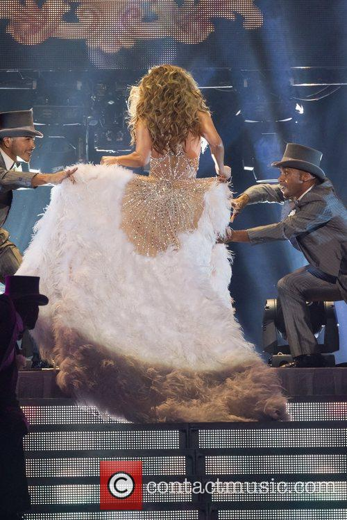 Jennifer Lopez and Pavilhao Atlantico 18