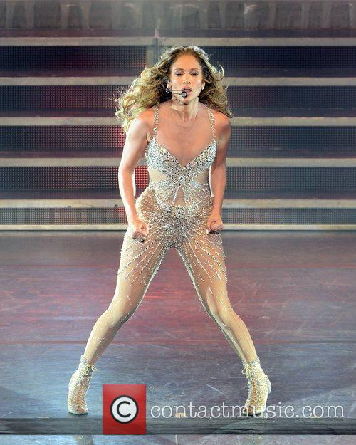 Jennifer Lopez and O2 Arena 4