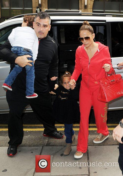jennifer lopez and her family go to 4142261
