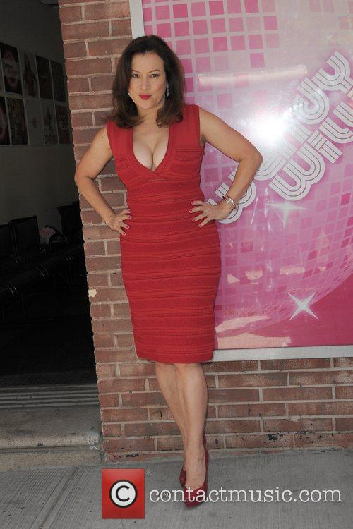 Jennifer Tilly and Wendy Williams 7