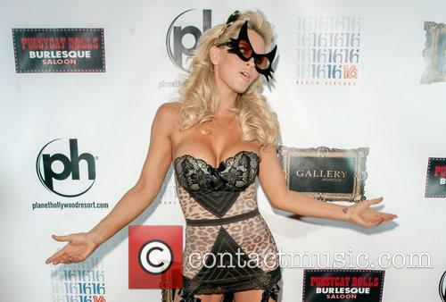 Jenny McCarthy and Planet Hollywood 13