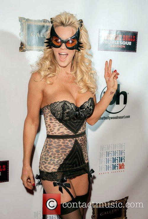 Jenny Mccarthy and Planet Hollywood 6