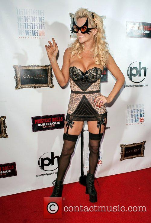Jenny Mccarthy and Planet Hollywood 1