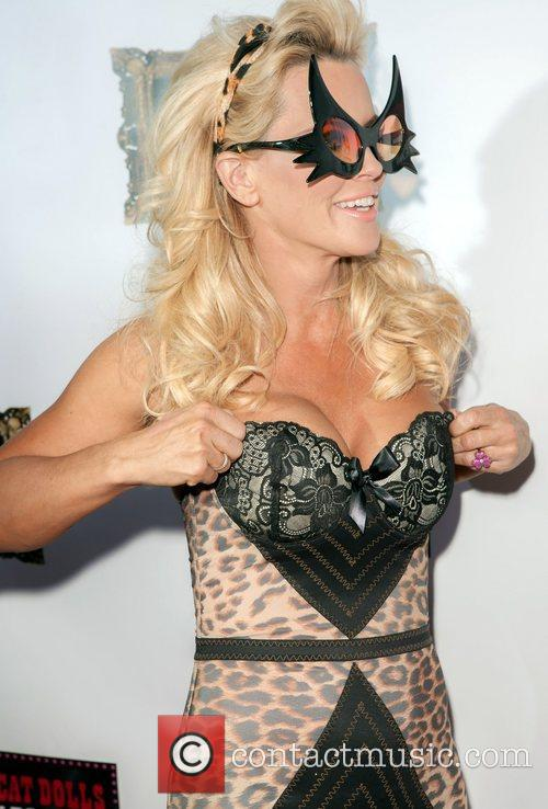 Jenny Mccarthy and Planet Hollywood 9