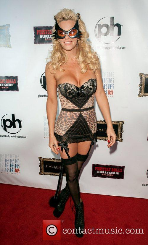 Jenny Mccarthy and Planet Hollywood 4