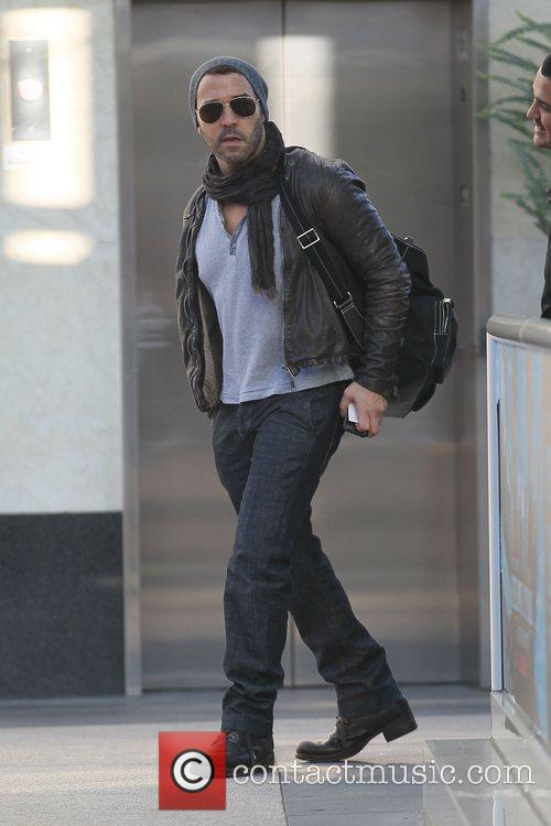 Jeremy Piven heading for a gym in West...