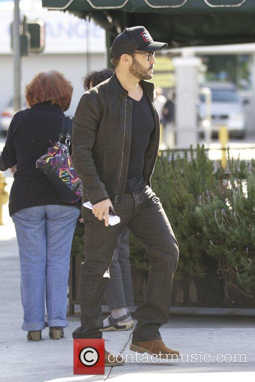 Actor Jeremy Piven and Sherman Oaks 6