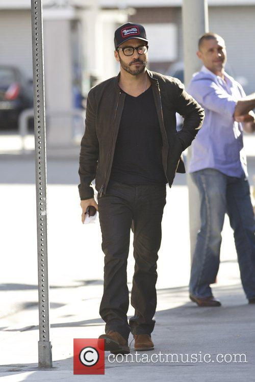 Actor Jeremy Piven and Sherman Oaks 9