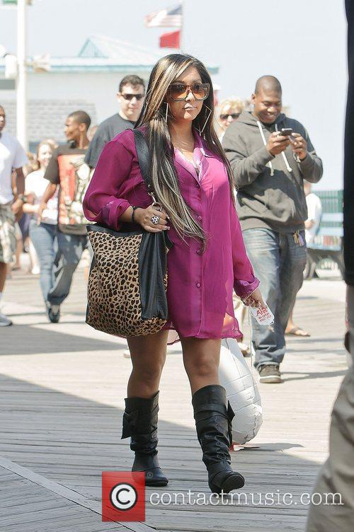 nicole snooki polizzi out and about on 3948376