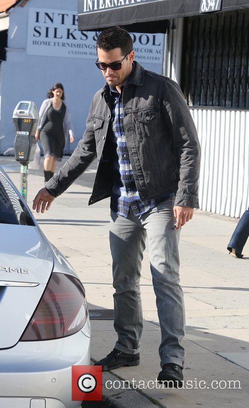 Jesse Metcalfe leaving Kings Road Cafe Los Angeles,...