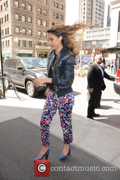 Arrives back to her SoHo hotel in Manhattan.