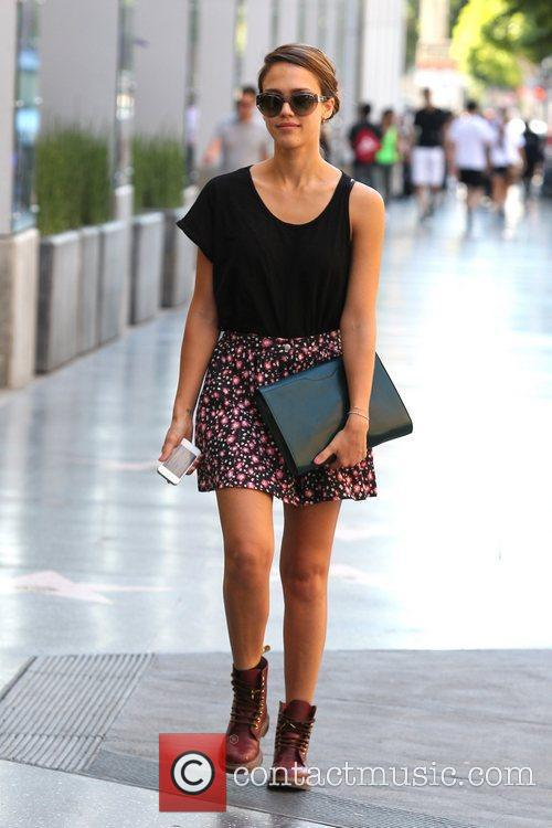 Jessica Alba and Outfit 14