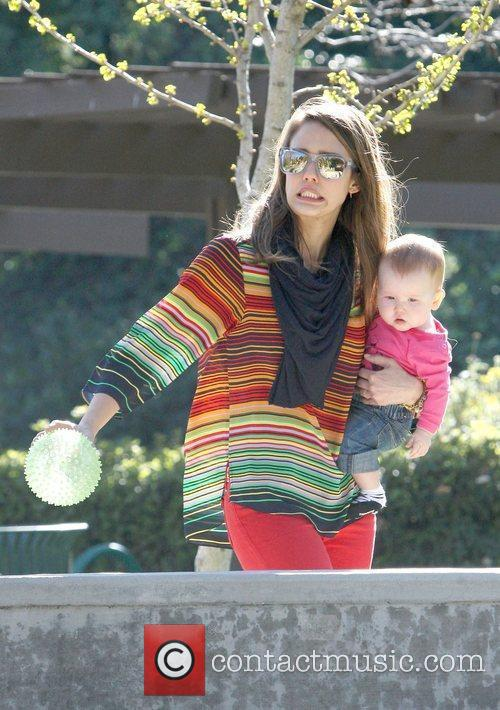 jessica alba playing in the park in 5813811