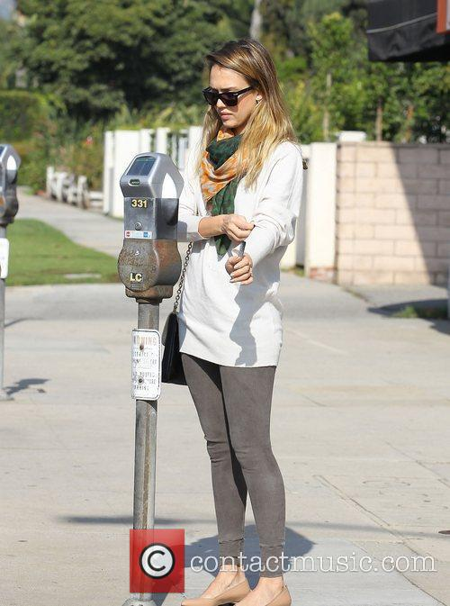 Jessica Alba and Beverly Hills 10