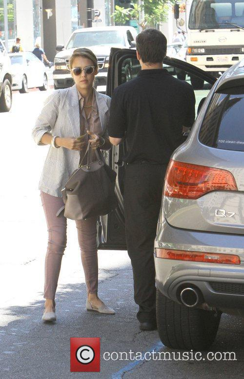jessica alba is seen shopping at jenny 5900293