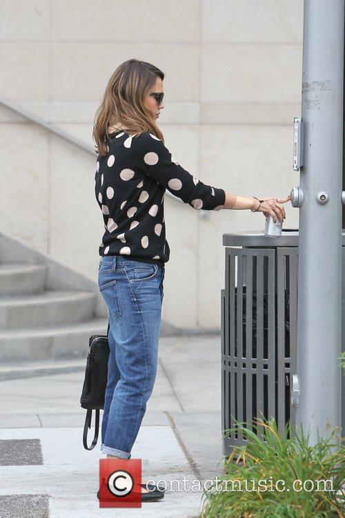 jessica alba is seen going to get 5761322