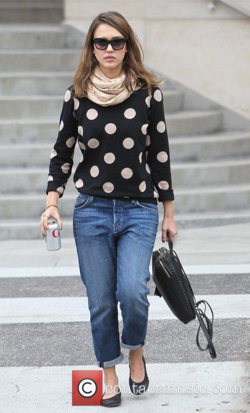 jessica alba is seen going to get 5761332