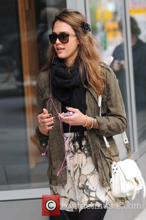 Jessica Alba and Pink 6