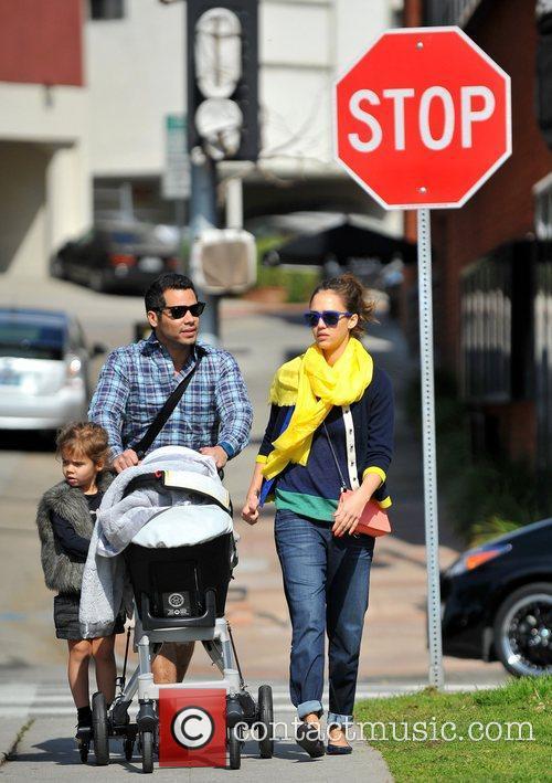 Jessica Alba and Cash Warren take a walk...