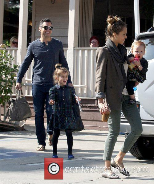 Cash Warren, Honor Warren, Haven Warren and Jessica Alba 4