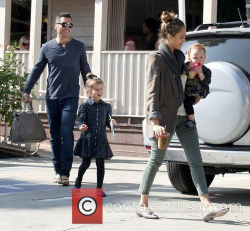 Cash Warren, Honor Warren, Haven Warren and Jessica Alba 8