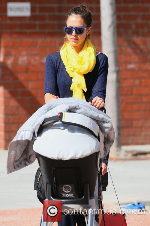 Jessica Alba spending the day in the park...
