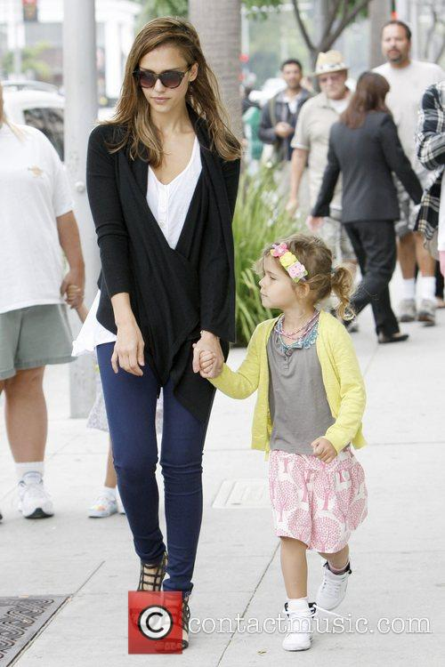 jessica alba and honor marie warren have 5898628