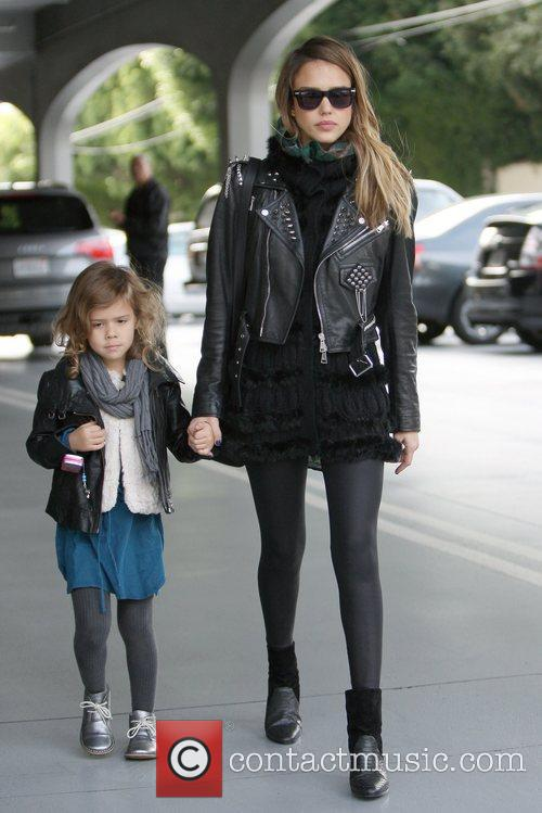 jessica alba and daughter honor marie warren 5967777
