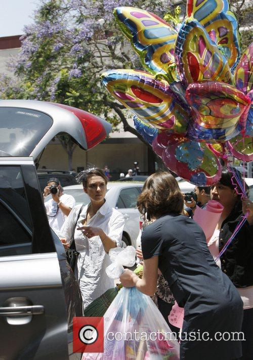 jessica alba attends a birthday party in 3935304