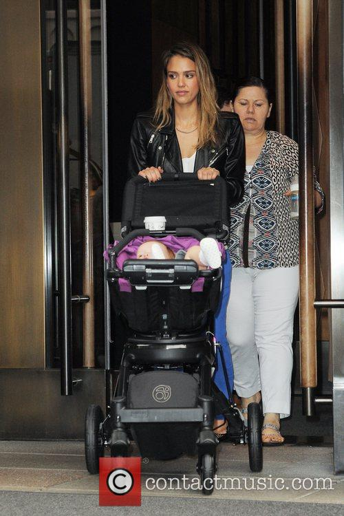 jessica alba and her daughter haven leaving 5926474