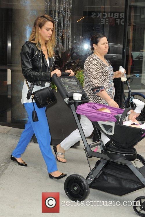 jessica alba and her daughter haven leaving 5926477