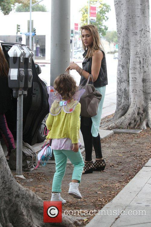 jessica alba with daughter honor marie warren 4046584