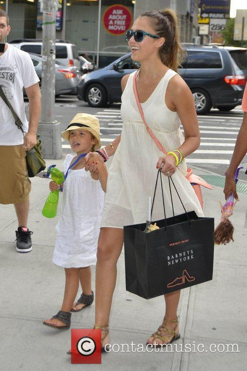 jessica alba and her daughter honor marie 4010630