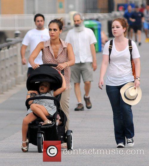 jessica alba and daughter honor marie warren 4009733