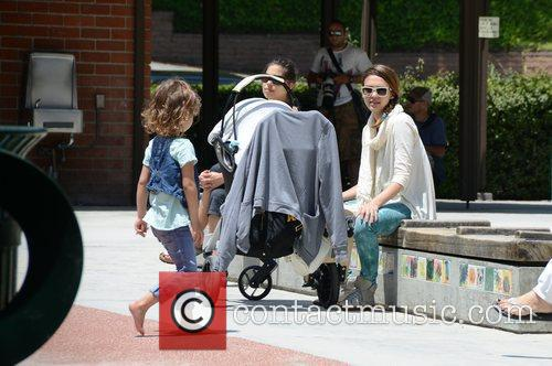 jessica alba takes her daughters to a 3876264