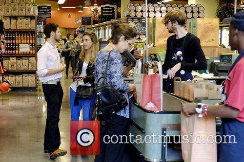 jessica alba goes shopping at whole foods 5926968