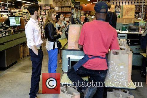 jessica alba goes shopping at whole foods 5926972