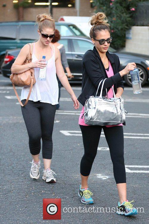 jessica alba and her friends exits third 5922673