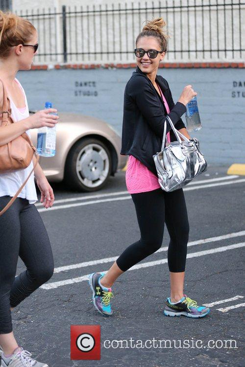 jessica alba and her friends exits third 5922676