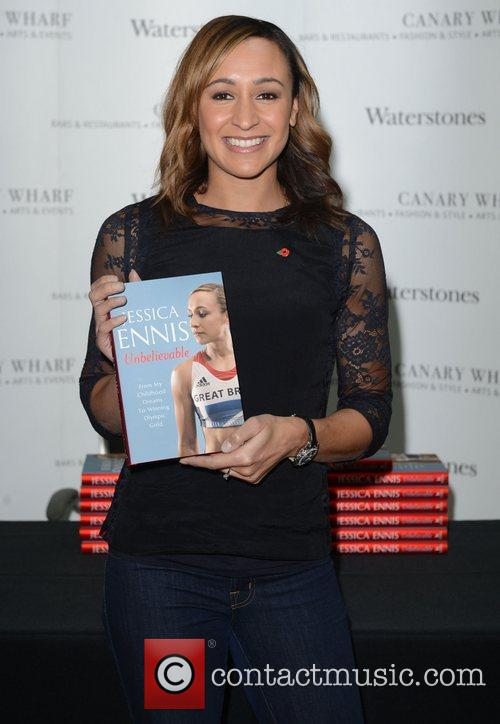 jessica ennis signs copies of her book 4168400