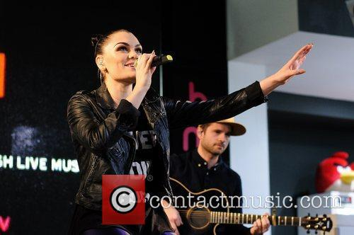 Jessie J and Hmv Oxford Street 7