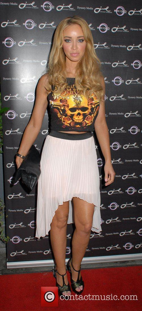Lauren Pope and Jewel Bar 8