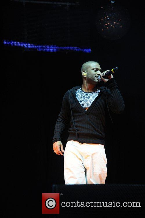 jb of jls performing at the key 3636130